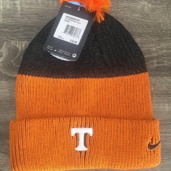 detailed look 441ef de15c Nike Tennessee Volunteers New Day Beanie Hat NWT